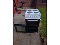 WHITE SLIMLINE BEKO FREE STANDING ELECTRIC OVEN, FOR SALE £80