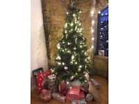 6FT (180cm) Pre-lit Xmas Tree inc 150+ decorations and jumper