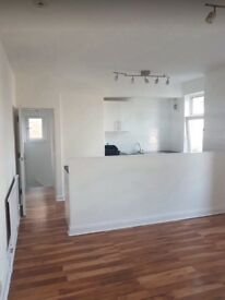 Flat to let off Hinckley Road
