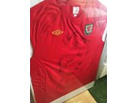 2010 Wales Football Squad Signed and Framed Football Umbro Home Shirt
