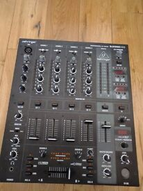 Behringer DJX 900