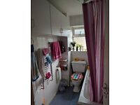 Two bedroom flat to rent in Plaistow.