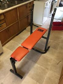 Bench press with incline