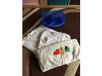 Baby top & tail bowl with 3 towels