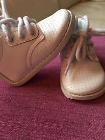 Pex white shoes