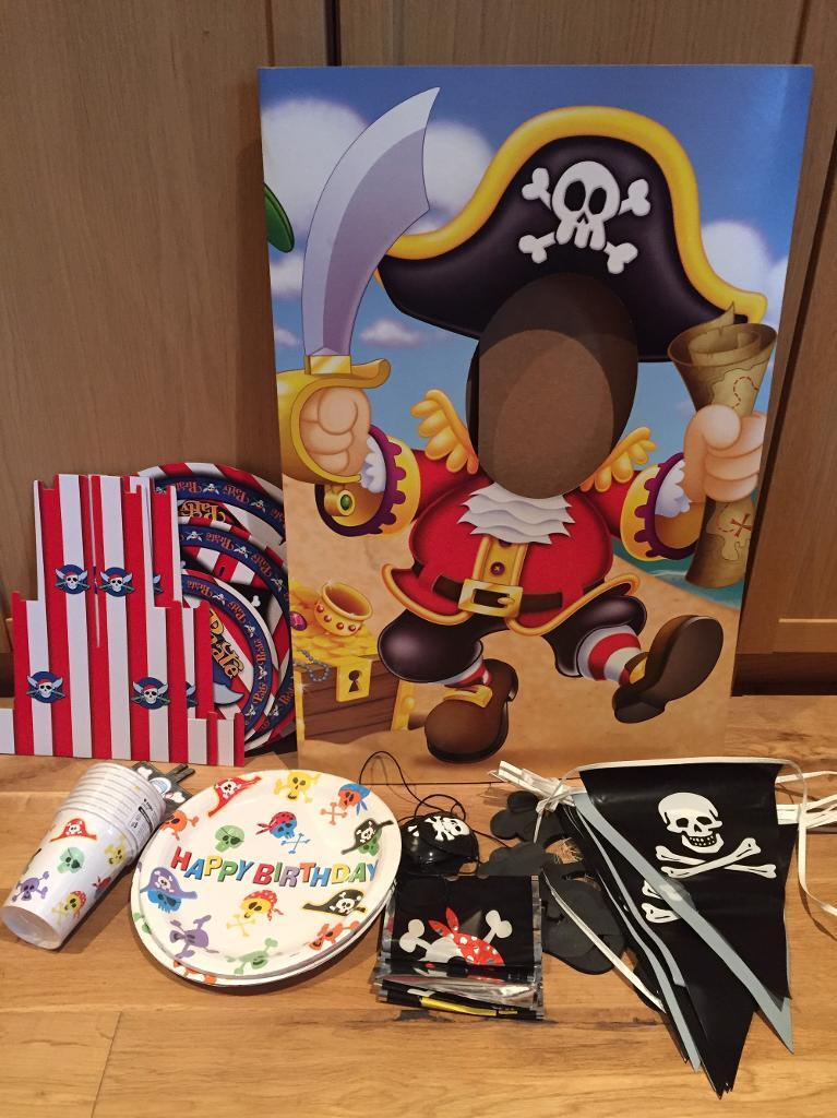 FREE - Pirate party accessories