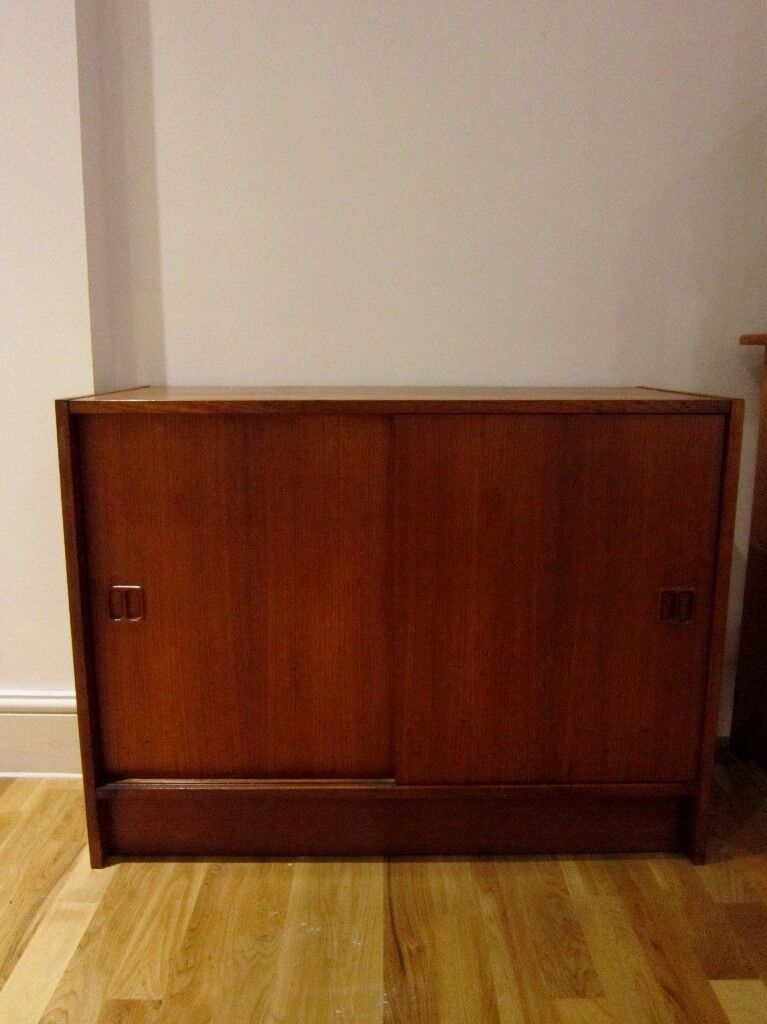 Vintage Midcetury Small Wood Sideboard Cabinet (Pick up)