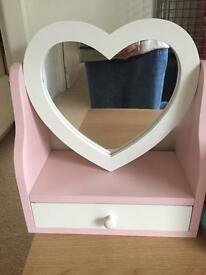 Girls freestanding heart mirror with drawer for jewellery, hair bobbles, little trinkets