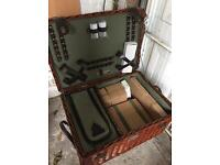 Lifestyle luxury Willow picnic hamper new with tags rrp £100