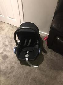Maxi cosi cabriofix car seat for sale in perfect condition