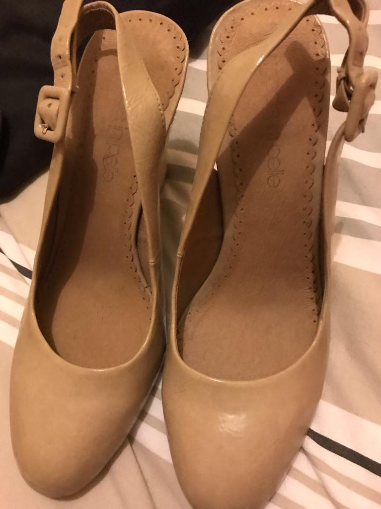 7 x pairs of women's shoes size 5