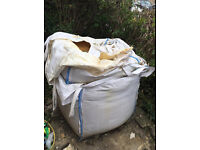 builders sand [approx 1 tonne]