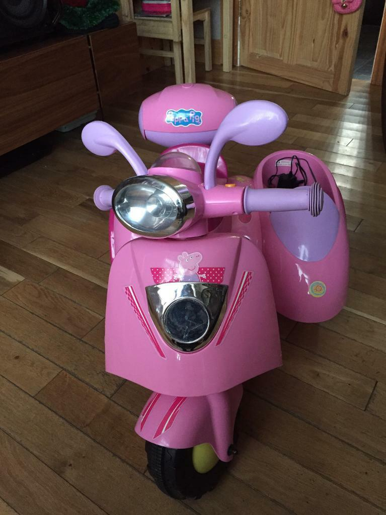 Peppa Pig Electric Ride On Scooter With Sidecar In Kitts