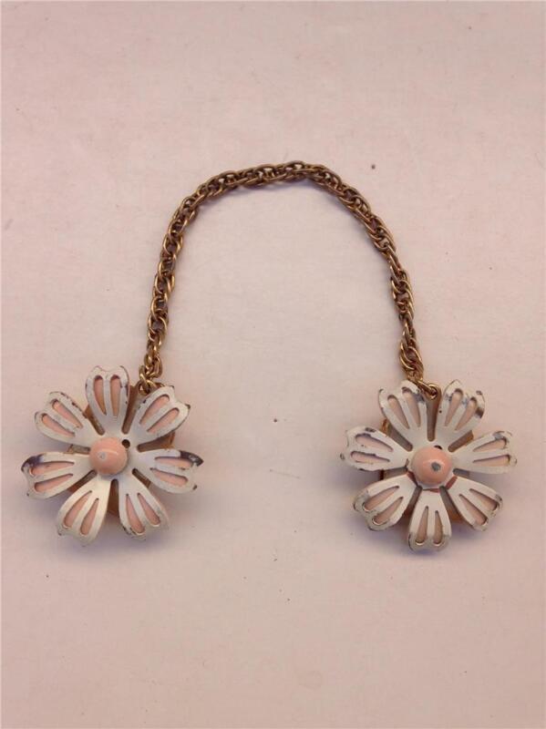 Vintage Goldtone & Enamel Daisy Flowers Sweater Dress Clip Guard
