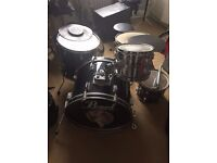 Drum kit, Pearl used. Located in London ideal for learners.