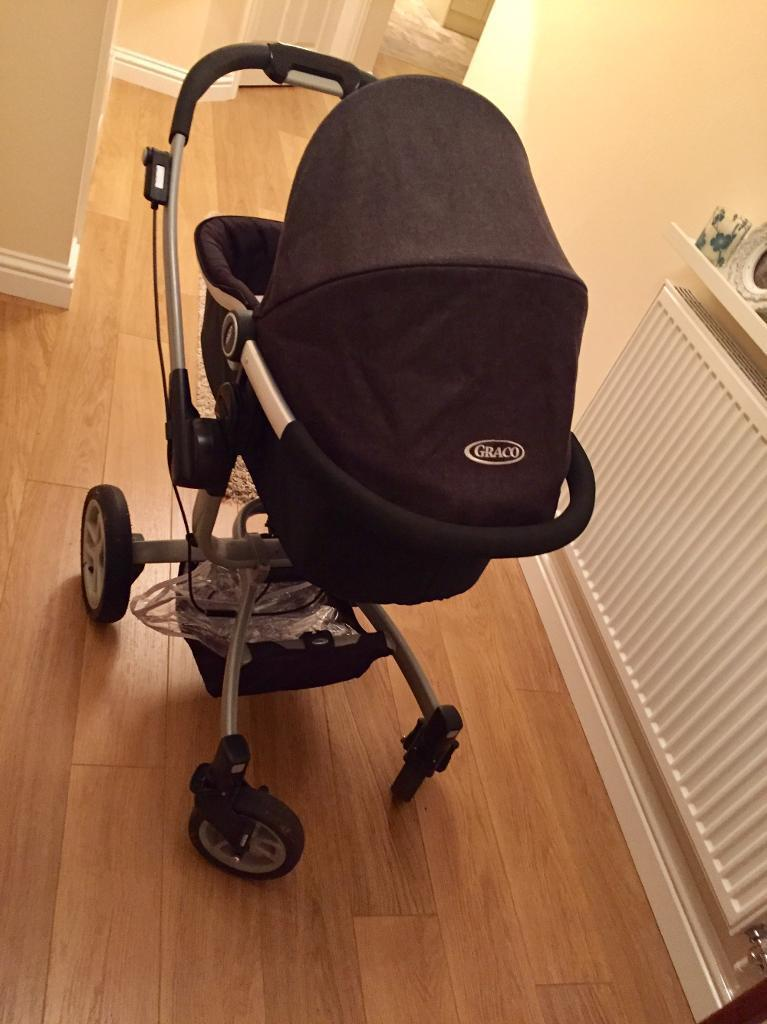 Graco Symbio with carrycot, raincover and car seat base