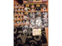 Collectible Star Wars figurines + magazines