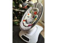 4moms Mamaroo with newborn insert. Only 5 months old. Pick up Guildford.