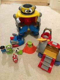 Happy land lights and sound robot + accessories
