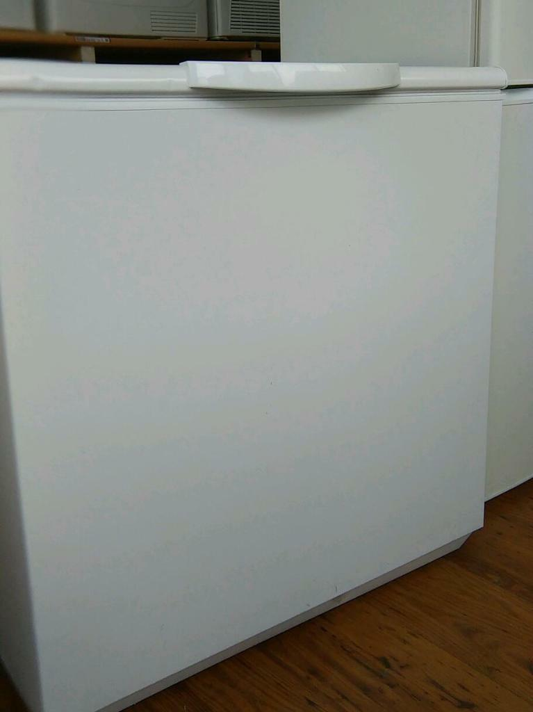 white chest freezer for sale in glynneath neath port. Black Bedroom Furniture Sets. Home Design Ideas