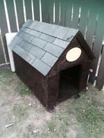 XL insulated dog house MUST GO