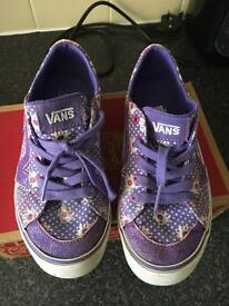 Pretty Vans Trainers 👟