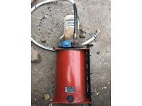Tipper pump