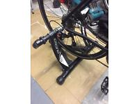 Elite Crono Fluid ElastoGel Trainer great condition comes with skewer and front wheel riser block.