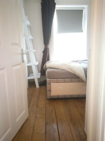 Southbourne Single Furnished Room, Bright Friendly Tidy House Share