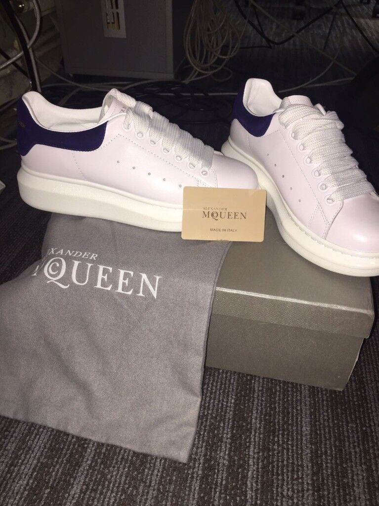 SMALL SIZE 7 ALEXANDER MCQUEEN TRAINERS