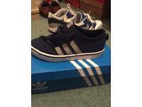 Boys Adidas trainers size UK 1