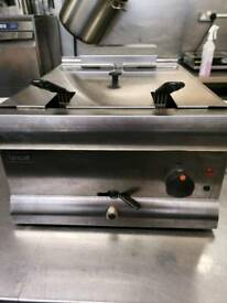 Commercial Lincat double deep fryer