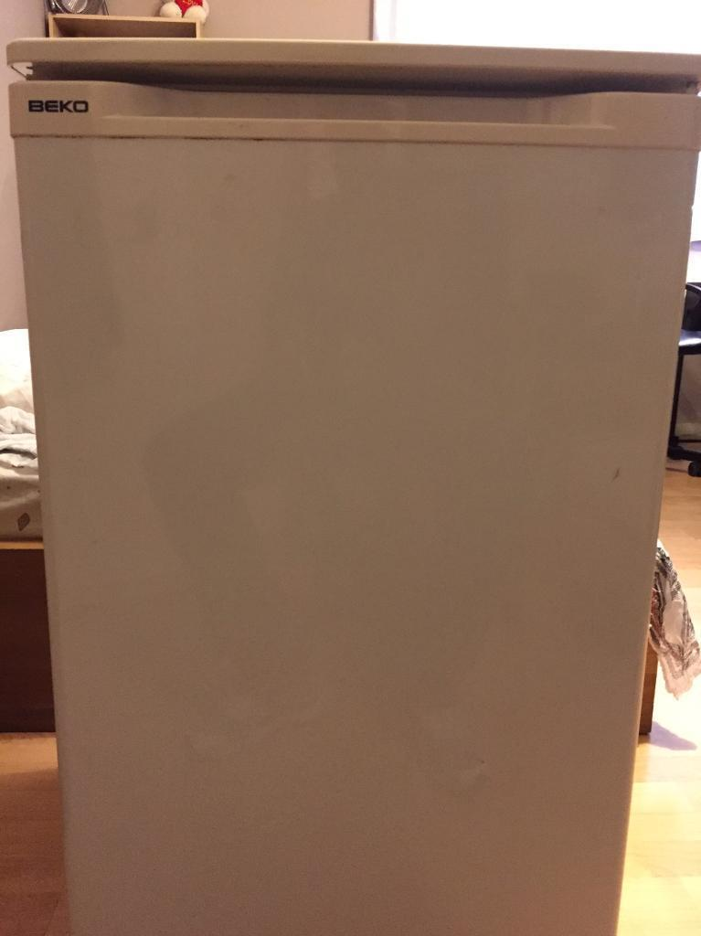 BEKO Fridgein Neasden, LondonGumtree - Good condition working under counter fridge for sale. Ready for collection at the weekend or week days after 7pm