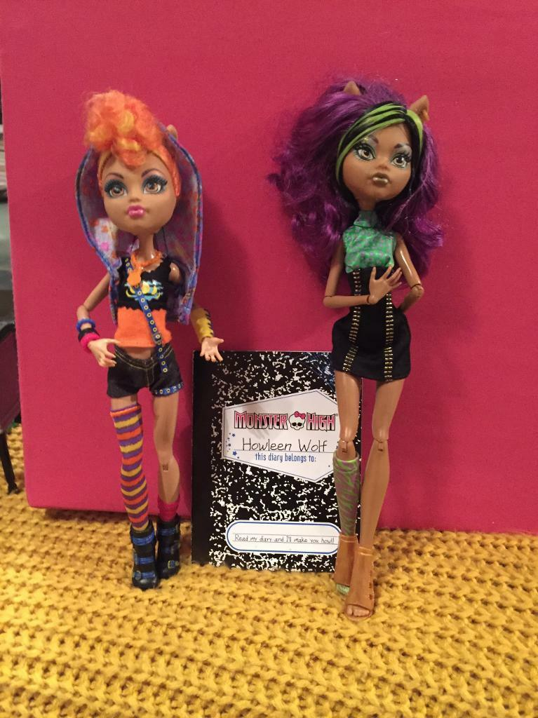 Monster High howleen doll set
