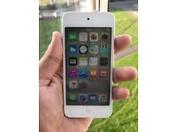Flawless Apple iPod touch 5th generation 16GB Silver inc charging lead