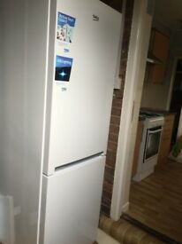 Clean like new fridge freezer BEKO CXFG1685