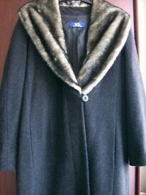 BEAUTIFUL WARM BLACK COAT