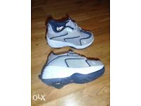 Rollers wheels trainers size 13,new with box-post it