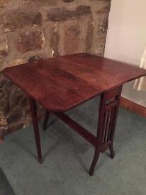 Side table folding