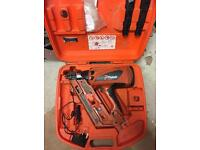 Paslode im90 first fix nail gun two lithium batteries Dewalt Makita