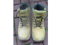 STANLEY WORK-WEAR BOOTS SIZE 9