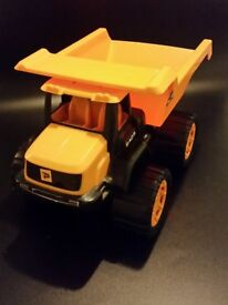 """JCB 8"""" Dump Truck"""