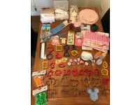 Job lot of cake decorating and baking pieces