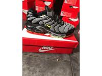 Nike tns (size 7-8-9-10) black/lime/grey