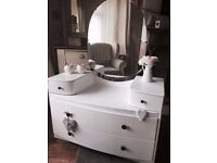 Shabby chic vintage dressing table/chest of drawers with mirror
