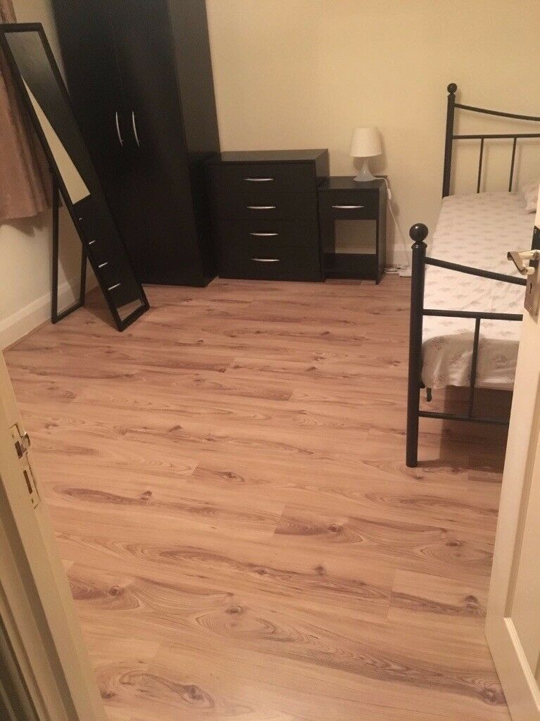 Room to rent one months deposit is required
