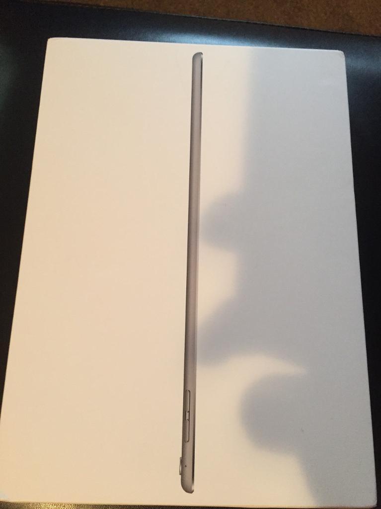 iPad Pro 9.7 inch Wi-Fi unlocked 32GB