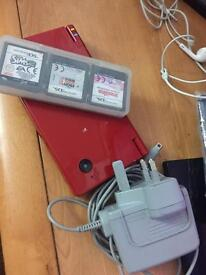 Nintendo DSi good working with 3 games.