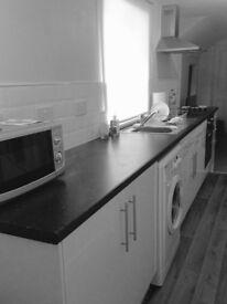 LET AGREED - Lovely Cottage-Feel Maisonette,Grantham Centre, £455pcm, 3mins to Train Station