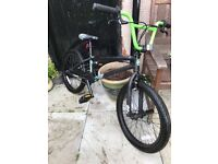 Mongoose BMX bike green black In excellent condition